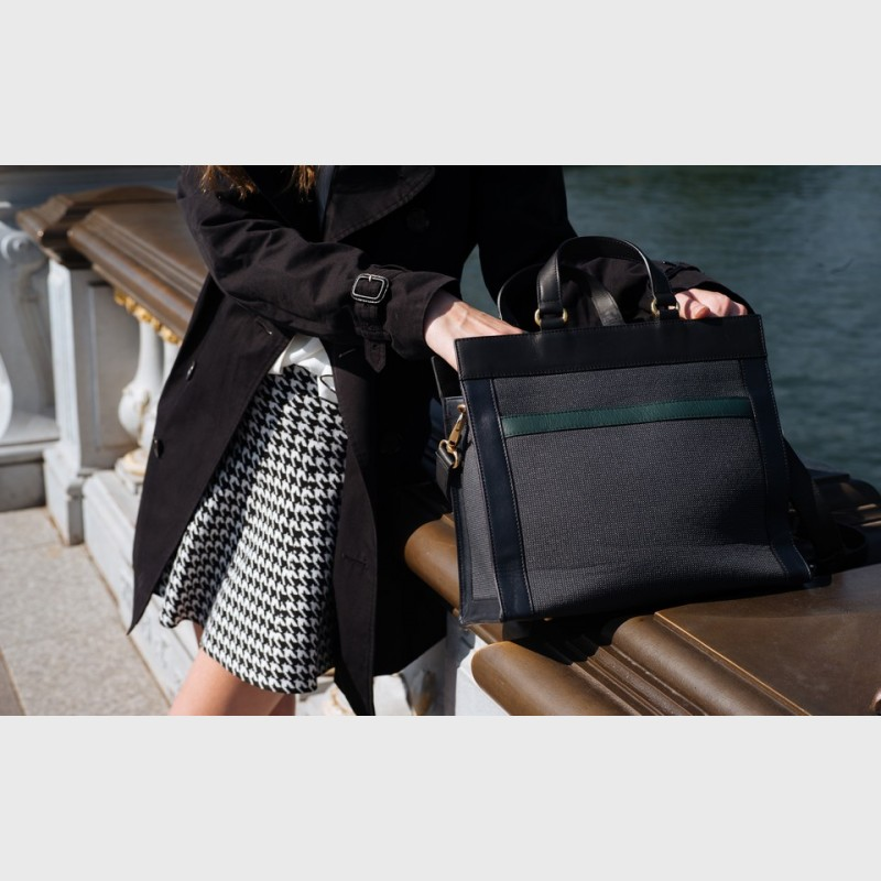 bag-small-size-city-style-trendy-vintage