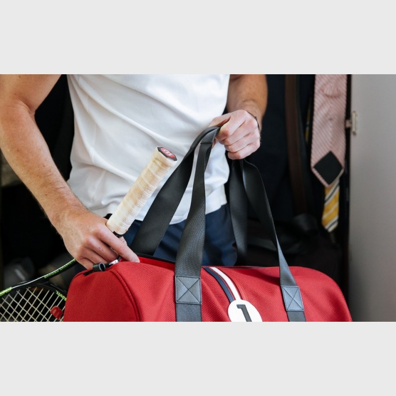 bag-easy-to-use-man-accessory