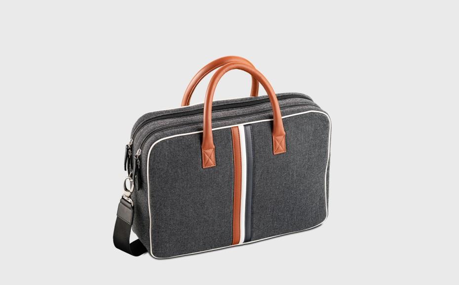 computer-bag-woman-leather-fabric