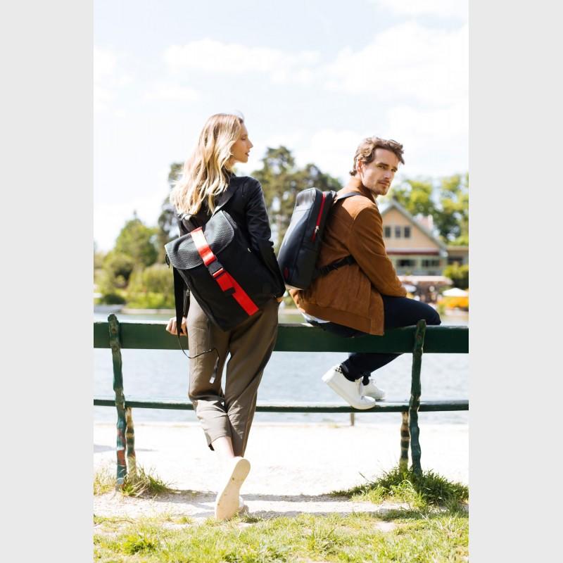backpack-couple-sustainable-unisex