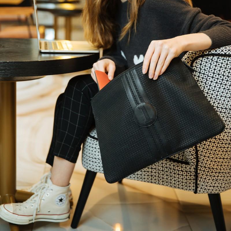 pochette-ordi-femme-cuir-tissu-rétro-pratique-durable-numéro-fétiche