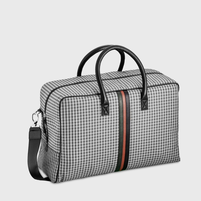 trendy-luggage-woman-man-e2r-sustainable