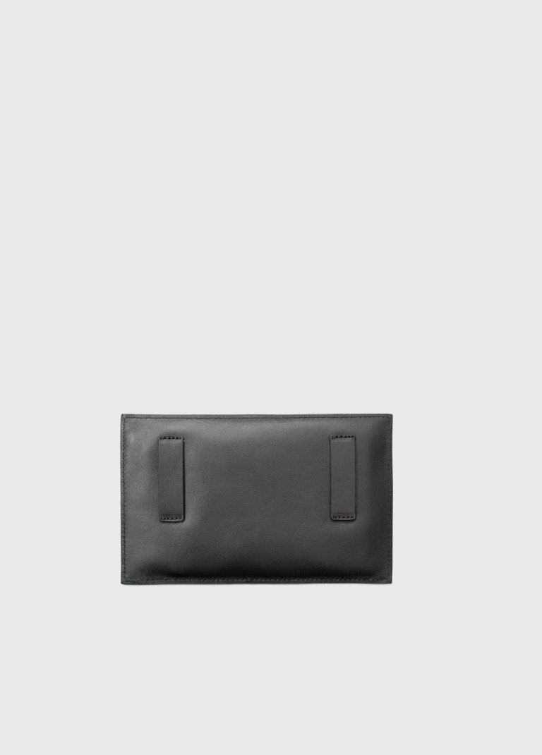 leather-pocket-woman-e2r-practical